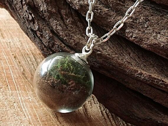 Moos und Erde Kette, Mini Terrarium Kette, Glaskugel Anhänger, Echte Blüten Kette, Terrarium Schmuck, Naturschmuck, Blütenschmuck