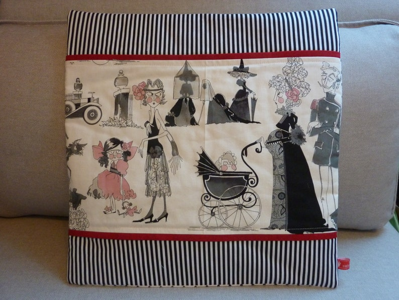 Cushion Cover The Ghastlies Alexander Henry Happy Family Halloween