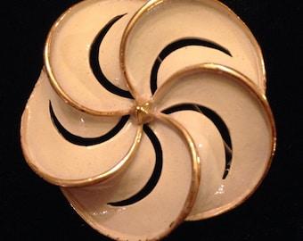 Nice Vintage Cream Enamel and Gold Flower Brooch by Usner