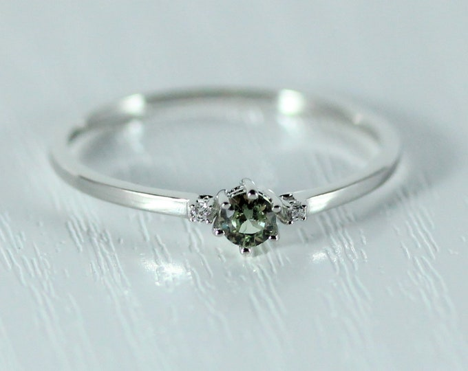 Green sapphire and Moissanite Solid Gold Trilogy ring - engagement ring available in rose, white and yellow gold