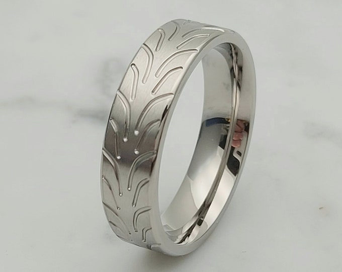 6mm Tire tread ring in pure Titanium - Wedding ring band for men and women