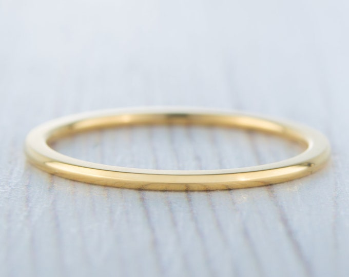 1mm Wide, filled 18ct Yellow gold Plain Wedding band Ring - gold ring