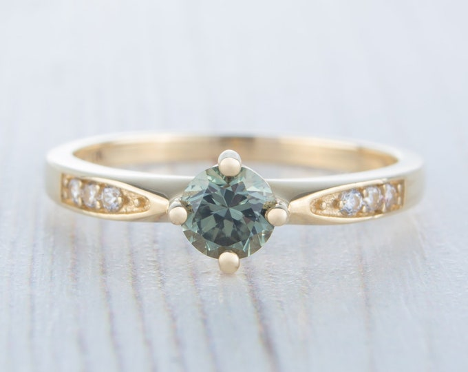Solid gold Green Sapphire solitaire ring available in 10K, 14K, 18K Rose, yellow or white gold - engagement ring