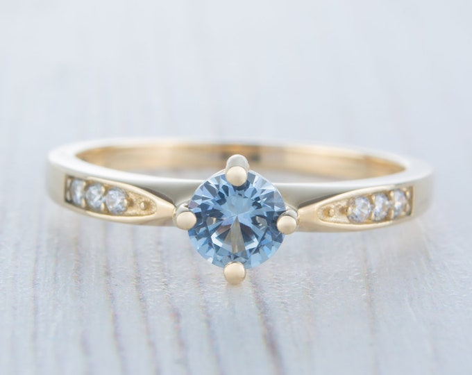 Solid gold Aquamarine solitaire ring available in 10K, 14K, 18K Rose, yellow or white gold - engagement ring