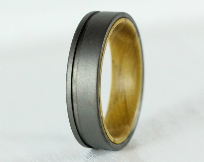 6mm Titanium & Whiskey barrel wood Wedding ring band for men and women - gunmetal grey