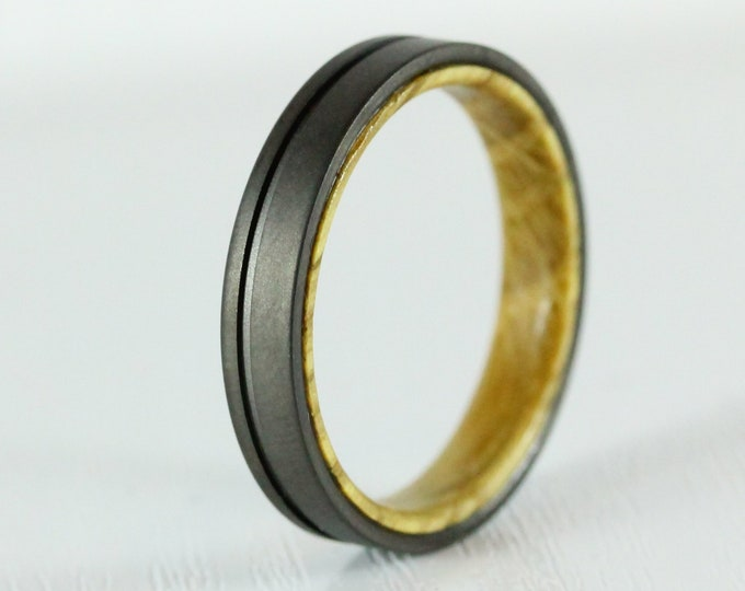 4mm Titanium & Whiskey barrel wood Wedding ring band for men and women - gunmetal grey