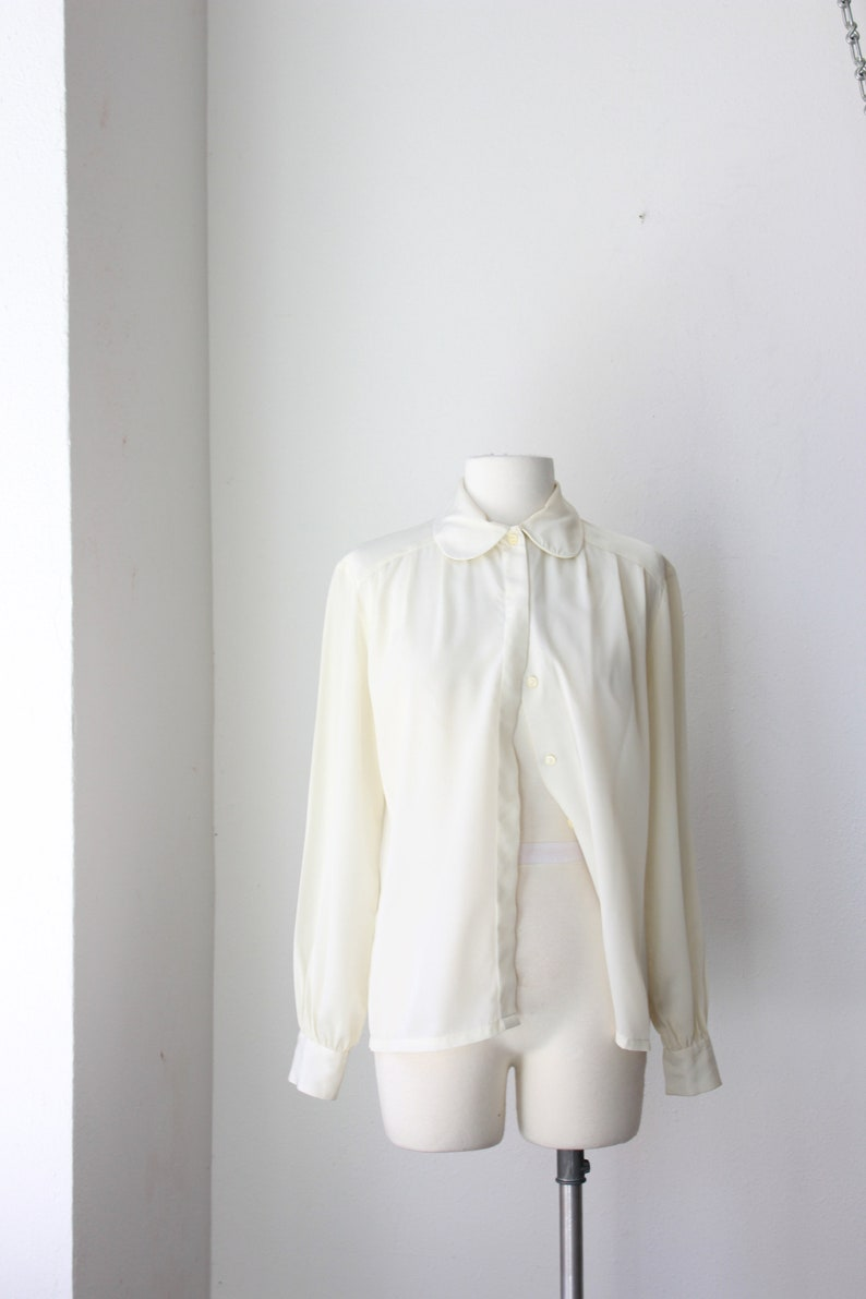 Off White Round Collar Button Down Large