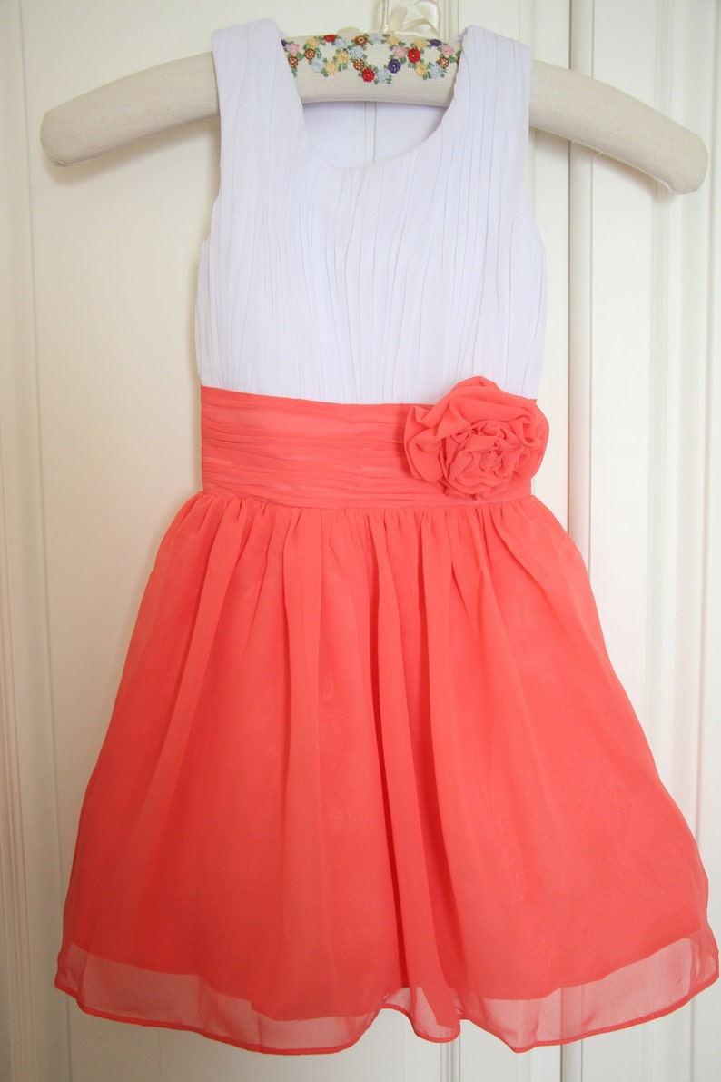 523a4f865e White Coral Flower Girl Dress with Straps Knee-length Chiffon
