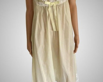 95798b1a801c Sale On ! Vintage 1968 Shadowline Charmode for Sears & Roebuck Cotton/Blend  Pale Yellow So Feminine NWT NOS