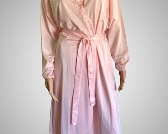 Sale On ! Vintage 1998 Shadowline Beautiful Detailed Pink Coral Nylon  Nightgown and Robe Peignoir Set NWT NOS 986e4035323