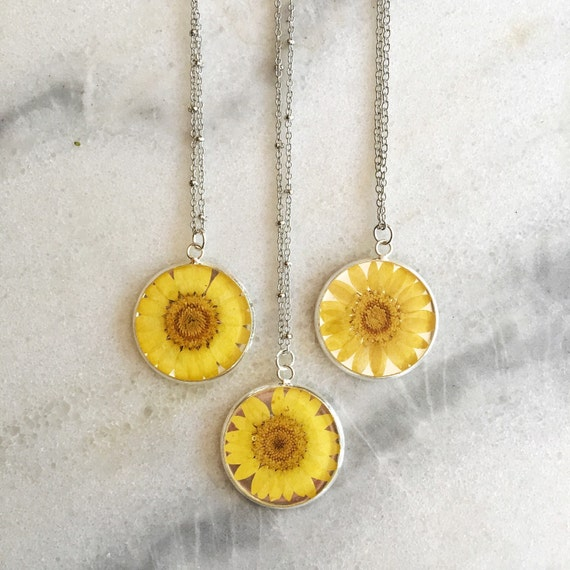 Daisy Real Pressed Flower Teardrop Necklace