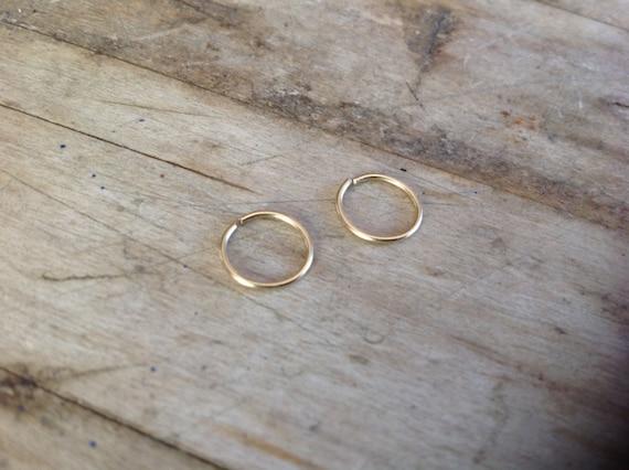 14K Solid Gold Pair of Hoops Earrings - 20 Gauge