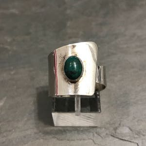stamped 925 Size 6 vintage sterling silver handmade ring fine 925 silver with jasper and leaves around details 010515