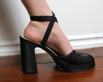 8ea5dd7c1cb5 Vintage 90s Strappy Chunky Sandal - 1990s Satin Ballerina Toe Chunky  Platform Shoe - Size 8 - Y2k Shoes - Stappy Heels