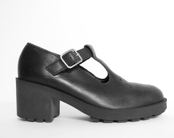 4f1f8363b7a Vintage 90s ESPRIT Maryjane Shoes - Chunky Platform Mary Janes - Leather  Y2K Strappy Goth Shoes - Chunky Heel Size 5.5 Womens Shoes Grunge