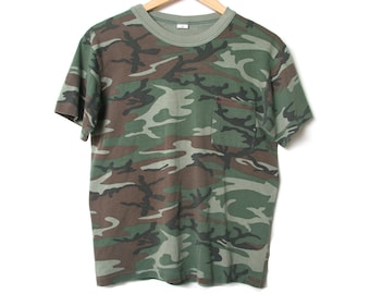 529d63c87 Vintage Camouflage T Shirt with Chest Pocket - Single Stitch Mounted Collar  - 80s 90s Vintage Army Tee - Camo Shirt Military - Size Small S