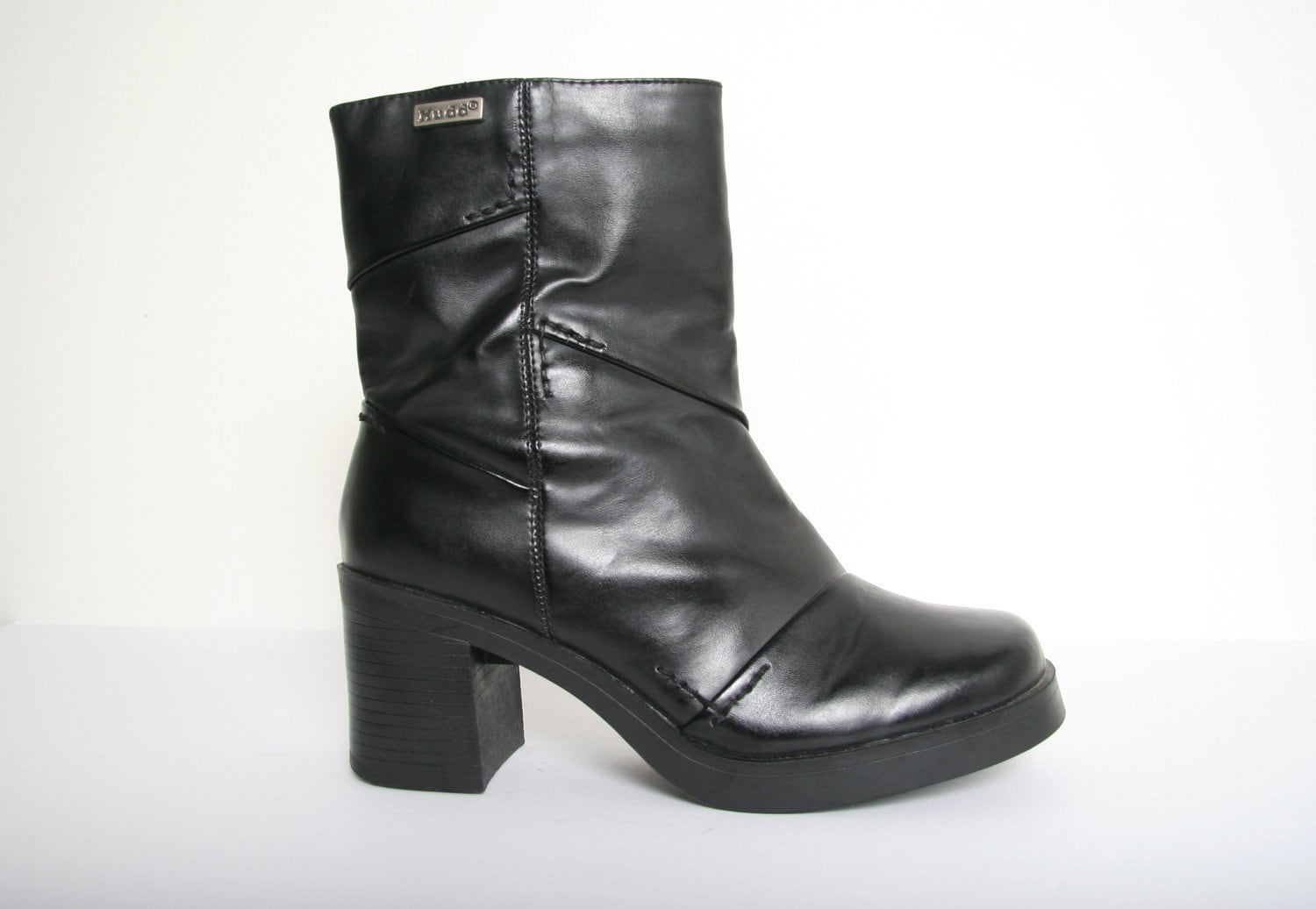 9cc00fa12d8 Vintage 90s Faux Leather Chunky Goth Boots Size 8 US