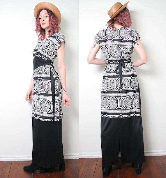Vintage 60s 70s Novelty Print Maxi Dress - Black A