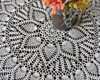 Vintage 1950's Pineapple Doily - Rustic - Table Topper - Centerpiece