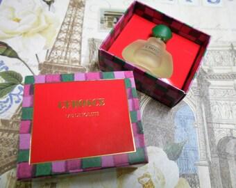 Cedosce eau de toilette for women, made by Invesgen.  5 ml / 0.17 fl. oz. miniature splash bottle and box.