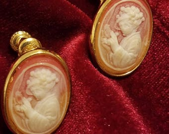 Vintage Goldette Cameo Screw On Earrings Gold Tone