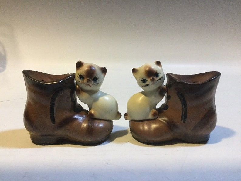15a751ecd9f8c Vintage Ceramic Siamese Cat On Boot Salt And Pepper Shaker, cat home decor,  siamese cat salt and pepper shakers, cat gifts,