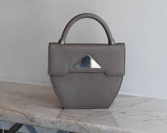 749415e9fda2 Gray Handbag with Metal Detail   Vintage Purse