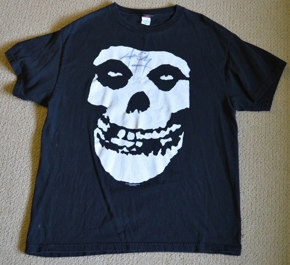 Signed Vintage Misfits Tshirt autograph by Jerry O