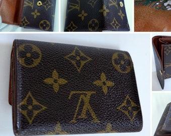 8b2ba0fbaa66 LOUIS VUITTON LV Monogram Porte Monnaie Plat Compact Canvas Leather Wallet  Clutch Portefeuille Purse Bifold Trifold Men Unisex Women Ladies