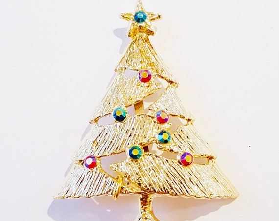 Oh Christmas Tree Oh Christmas Tree. ...1960s Xmas tree brooch | Xmas gold tone tree pin with rhinestones