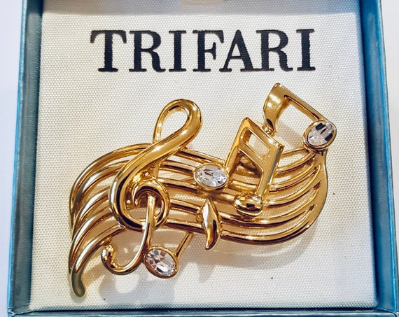 1980s music note Trifari brooch
