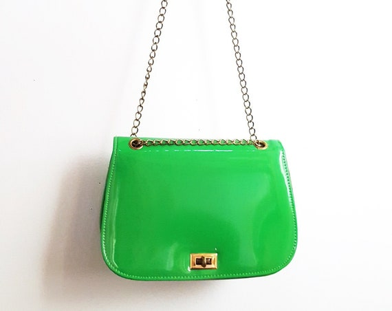 1960s vibrant green handbag  with adjustable chain handle