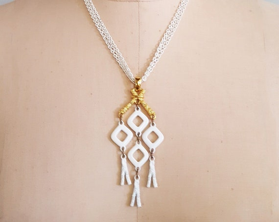 Funky 1960s white & gold mod metal pendant on a white 3 strand chain link necklace