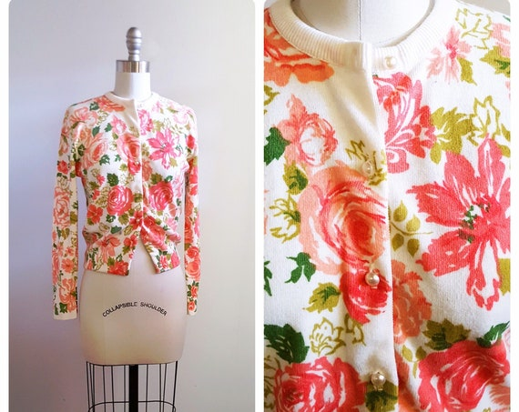 Pink spring blooms    1960s pink and white floral cardigan with pearl buttons   60s rose floral sweater