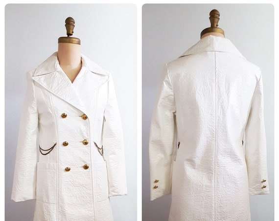 Vintage 1960s MOD crushed white patent spring coat | 60s Fingerhut jacket size small