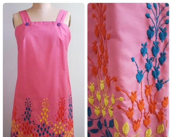 Shift into summer! Vintage 1960s sleeveless Embroidered summer shift / jumper/ romper / dress