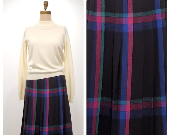 Mister Leonard brings quality to this classic accordian pleated 1980s skirt | 80s plaid wool skirt | size medium