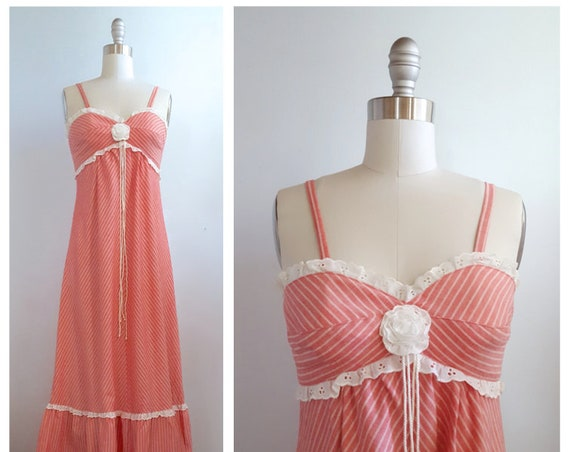 Easy summer groovin' | vintage 1970s maxi | 70s striped dress with eyelet lace trim