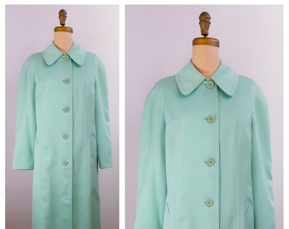 Sea Foam Green | 1970s London Fog green coat | 70s spring coat