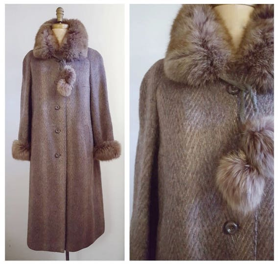 Baby it's cold outside | 1980s taupe coat with fur collar and cuffs | 80s fur and wool winter coat