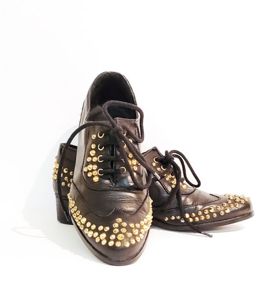 Vintage 1980s black leather brass studded oxfords | 80s lace up leather shoes | Made in Spain | Size 37 or 6 1/2