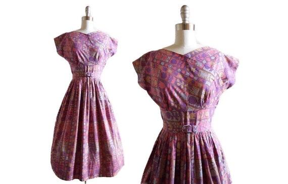 Harmonizing garden hues dress   1950s day dress   50s cotton dress with full skirt