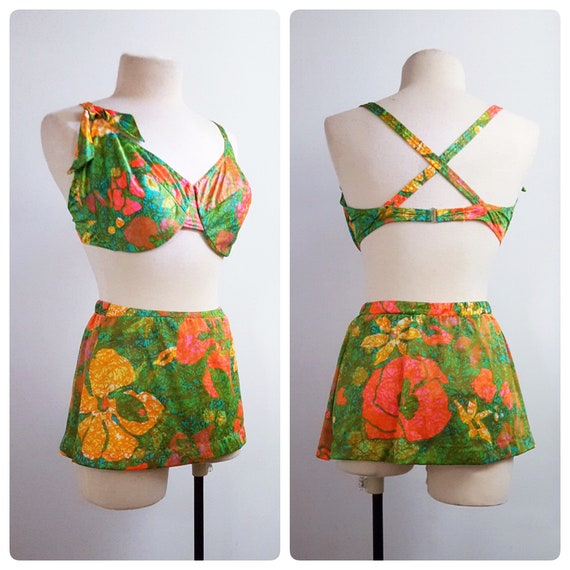 1960s psychadelic 2 piece skirted bathing suit | 60s mod 2 piece swimsuit with bra size 38DD