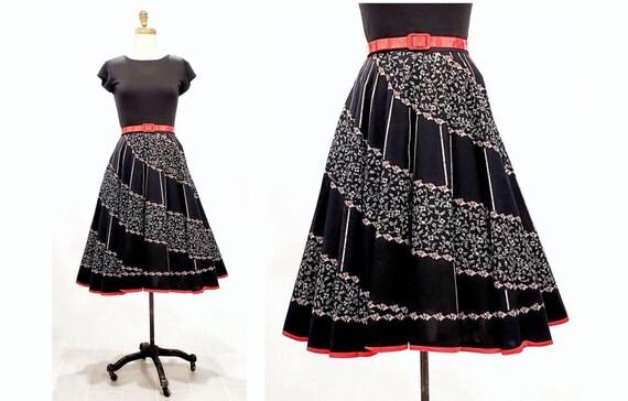 Vintage 1980s does 1950s full skirt | 80s novelty print black, red and white skirt | size medium