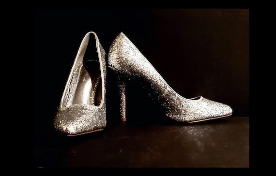 Silver Glitter Le Cheateau pumps | vintage 1980s silver sparkle shoes | size 8