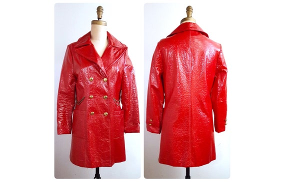 Vintage 1960s MOD crushed red patent coat   60s spring coat size small