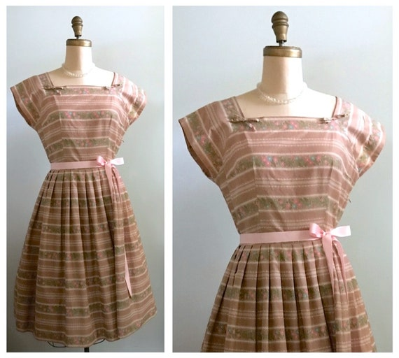 1950s novelty print dress | 50s floral and lace printed cotton dress size medium