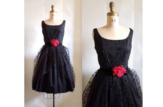 Touch of elegance | 1950s black cocktail party dress | 50s taffeta and tulle dress
