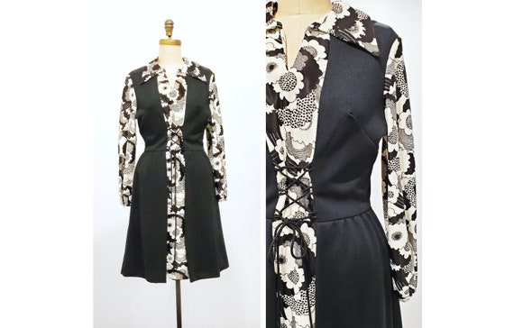 Vintage 1970s black and white flower power print with lace up front   70s Peter Max style printed dress   size medium