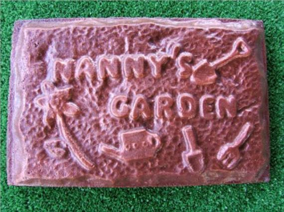 Old English D plaque mold garden casting plaster concrete mold mould